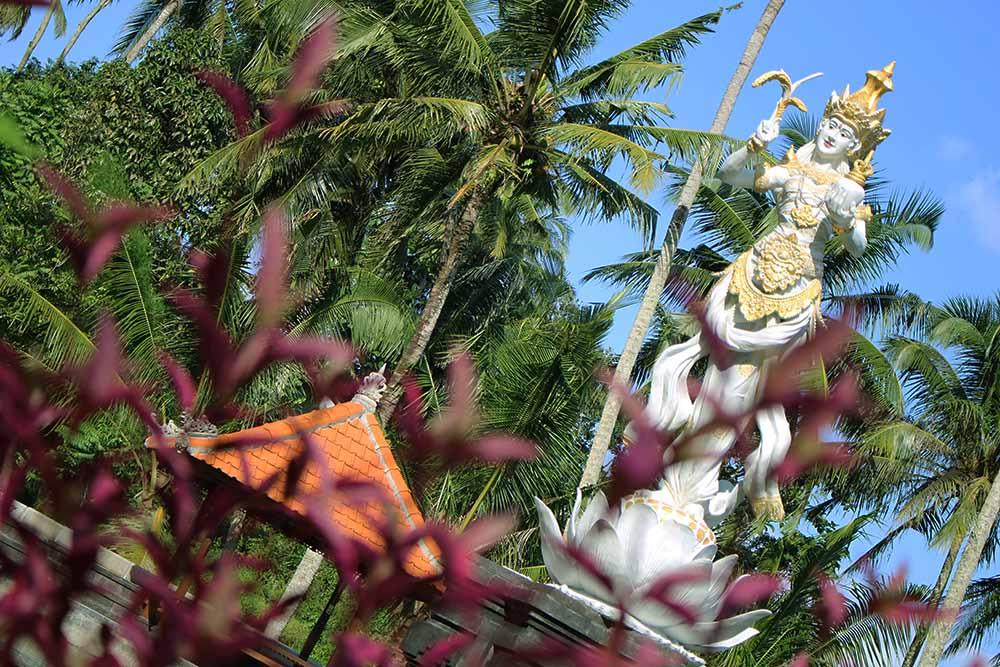 hinduistic statue