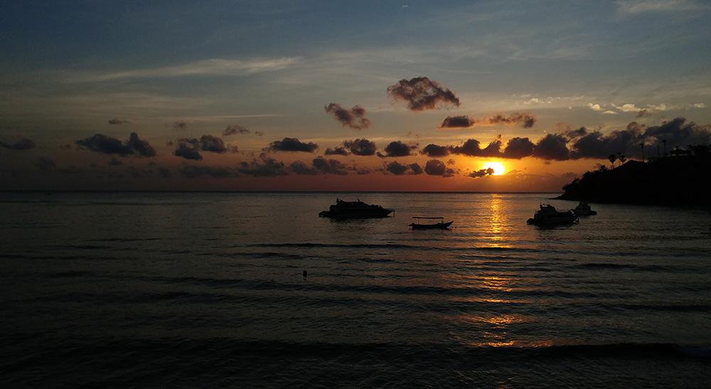 Sunrise at Jemeluk