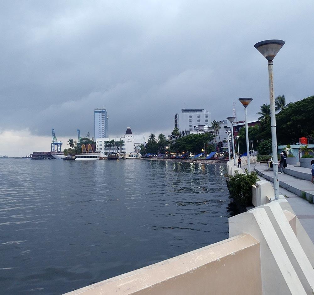 pier in Makassar